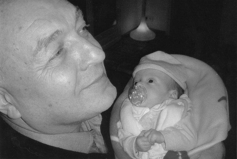 Борис Александров с внуком Сашей